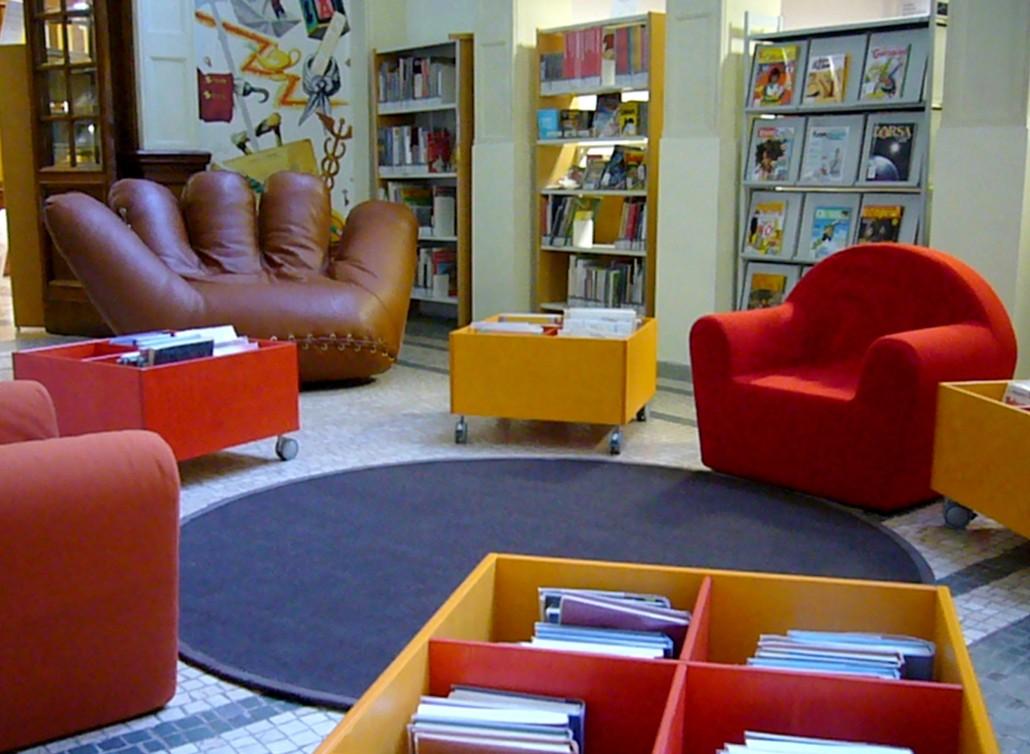 Bologna sala borsa abaco forniture for Arredi biblioteche